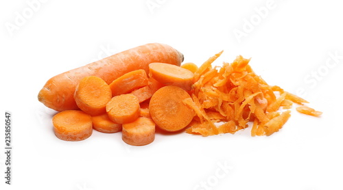 Photo  Carrot slices isolated on white background