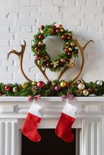 Festive Christmas Wreath With ...