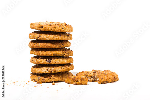Staande foto Koekjes chocolate chip oatmeal cookies on white background