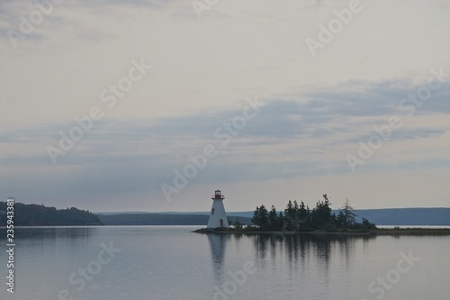 Canvastavla Baddeck, Nova Scotia, Canada: The Kidston Island Lighthouse (1912) in the Bras d'Or Lake on Cape Breton Island