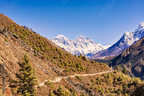 Foto op Canvas Asia land View of Everest and Lhotse Peak from the trekking route to Everest Base Camp in Nepal.