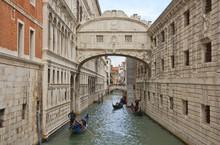 Die Seufzerbrücke In Venedig In Der Nebensaison Ohne Touristen