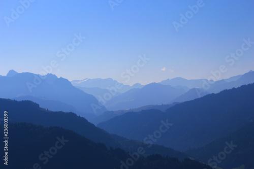 Papiers peints Bleu nuit Paysage de montagne