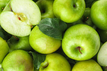 Many Ripe Juicy Green Apples A...