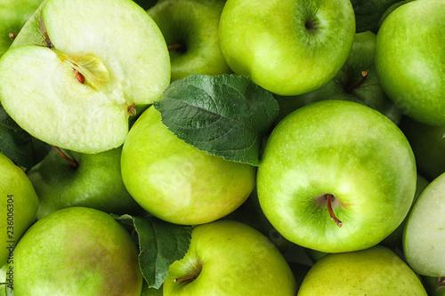 Canvastavla Many ripe juicy green apples as background
