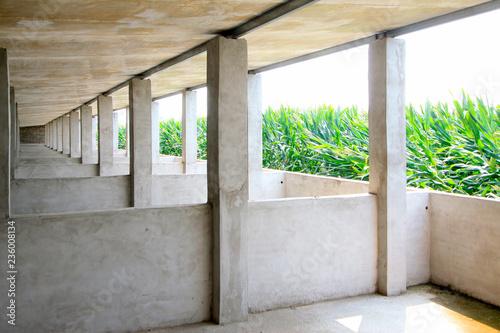 Fotografía  cement concrete piggery in a farm