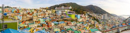 Staande foto Havana BUSAN, SOUTH KOREA - NOVEMBER 25, 2018: Panorama view of Gamcheon Culture Village, Busan, South Korea on November 25, 2018.
