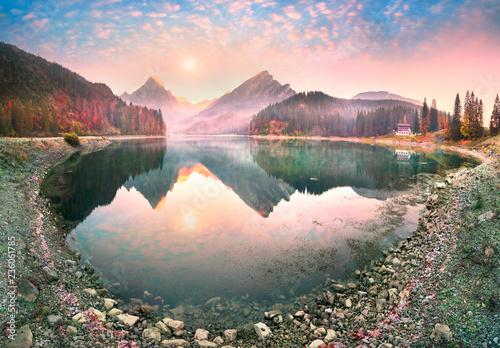 Foto auf Leinwand Rosa hell Lake Obersee autumn morning