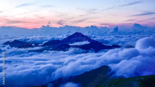 Fototapeta  日本、南アルプス、北岳から見た風景、甲斐駒ヶ岳の夕日と雲海