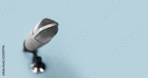 Fotografía technology and audio equipment concept - close up of microphone at recording stu