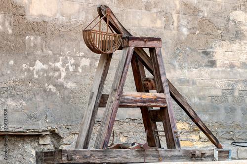 Fotografía  Wooden Medieval Catapult