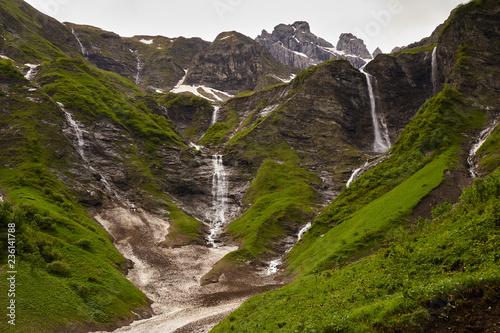 Fotografie, Obraz  Wasserfälle am Talschluss des Traufbachtales im Frühling