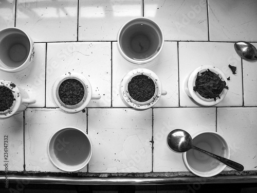 Photo different tea breeds for tasting