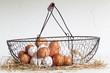 Korb mit Hühner-Eiern