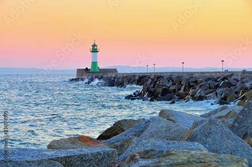Fototapeten Leuchtturm Sassnitz Leuchtturm - Sassnitz, lighthouse in the evening