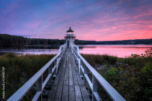 Foto auf AluDibond Leuchtturm Doubling Point Lighthouse Walkway Sunset
