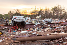 Tornado Destruction In Moore, ...