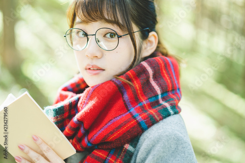 Fotografía  読書をする女性