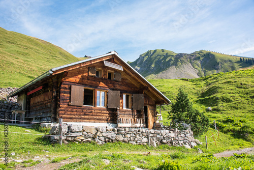 Fotografiet Alphütte im Berner Oberland / Schweiz
