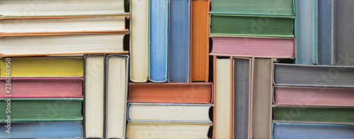 Fotografía  Many old books stacked in texture