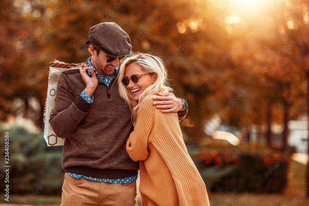 Fototapeta Loving couple shopping