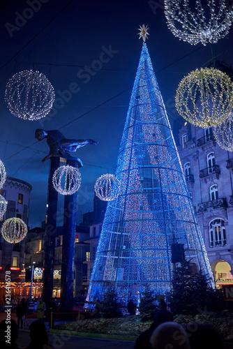 Árbol de Navidad en Vigo junto al Sireno Canvas Print