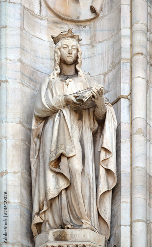 Saint Matilda of Ringelheim, statue on the Milan Cathedral, Duomo di Santa Maria Wallpaper Mural
