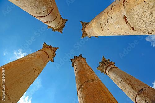 Obraz na plátně Korinthische Säulen des Artemistempel