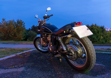 Classic Road Moto, Night View