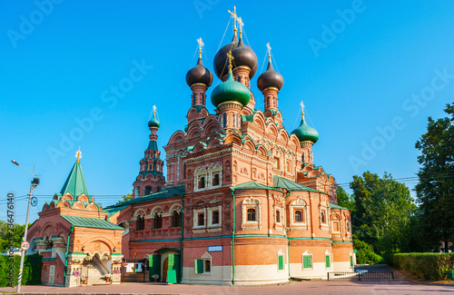 Foto op Canvas Aziatische Plekken The medieval church of Life-giving Trinity in Ostankino with complex decorations of exterior and the scenic onion domes, Ostankinskaya street, Moscow, Russia.