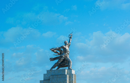Keuken foto achterwand Aziatische Plekken MOSCOW, RUSSIA - JUNE 29, 2013: The steel monument of Worker and Kolkhoz Woman is one of the main symbols of Soviet Union, located in Mira Avenue, on June 29 in Moscow