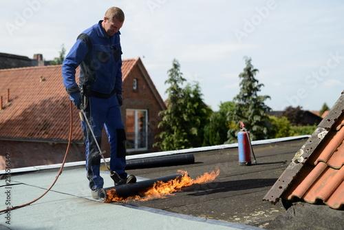 Dachdecker Flaches Dach Mit Dachpappe Abdichten Flachdach Neu Mit
