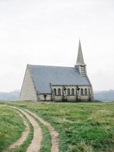 Beautifulmedieval Chapel In Highlands