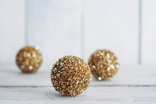 Sparkly Golden Christmas Tree Decorations