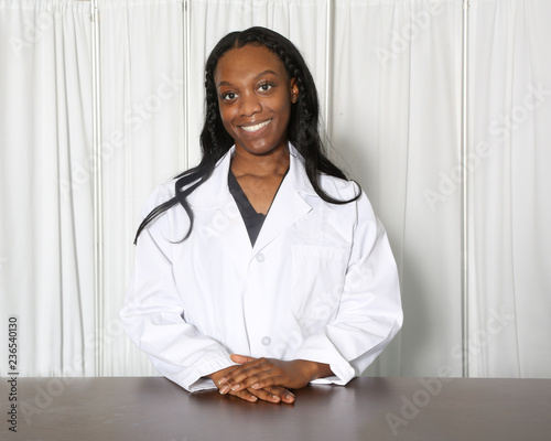 Obraz na plátne Portrait of an attractive African American female healthcare professional