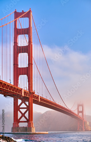 Photo sur Toile San Francisco Golden Gate Bridge at morning, San Francisco, California