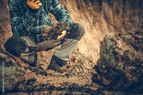 Geologist Checking the Soil Fototapeta