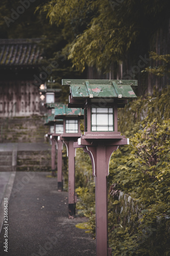 Photo  japanese wooden lantern in the park