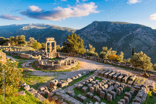 Spoed Fotobehang Europa Temple of Athena Pronaia in ancient Delphi, Greece