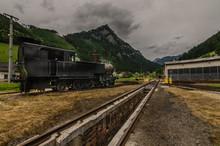 Alter Bahnhof Mit Dampflokomotive