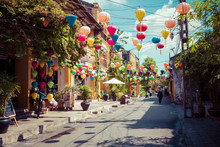 Hoian Ancient Town Houses. Col...