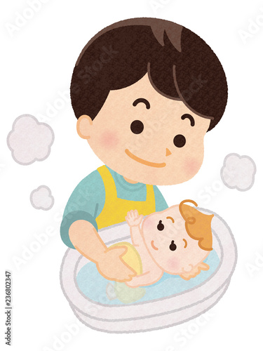Valokuva  赤ちゃんを沐浴させるお父さん