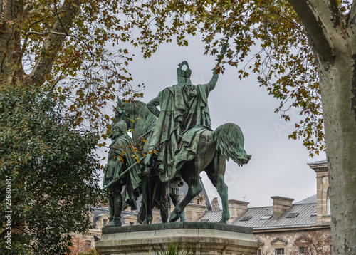 Fotografia  Statue of King riding horse