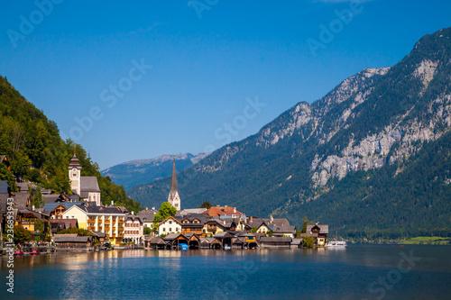 Fotografie, Obraz  Lookin across the lake at the idyllic village of Hallstatt, Austria