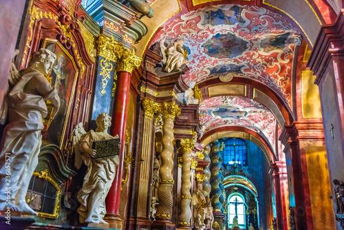 Obraz Wnętrze Fara, Bazylika Mariacka w Poznaniu - fototapety do salonu