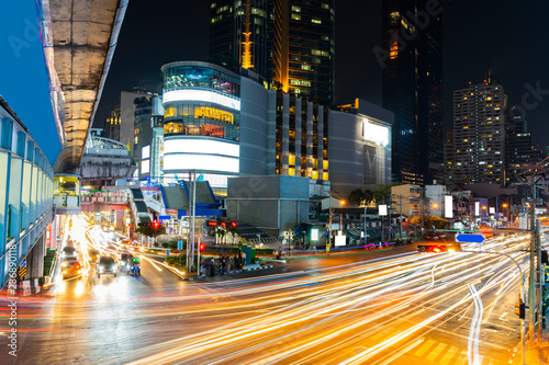 Photographie  Long exposure light night scene, Bangkok Thailand.