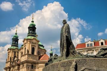 Fototapeta Prag, St. Nikolaus und Jan Hus