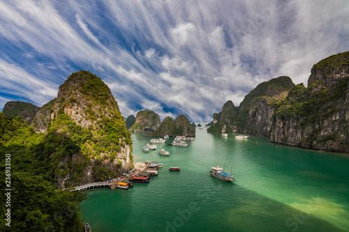 Fényképezés  Picturesque sea landscape. Ha Long Bay, Vietnam.
