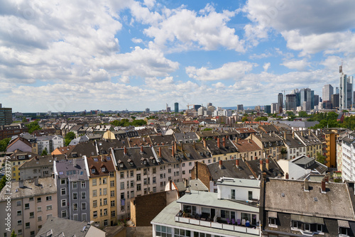 Zdjęcie XXL Domy w mieście Frankfurt nad Menem w lecie