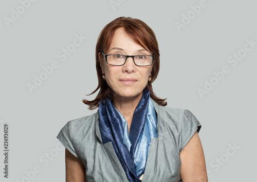 Foto  Beautiful mature businesswoman
